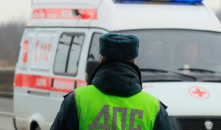 Инспектор ДПС на машине скорой помощи