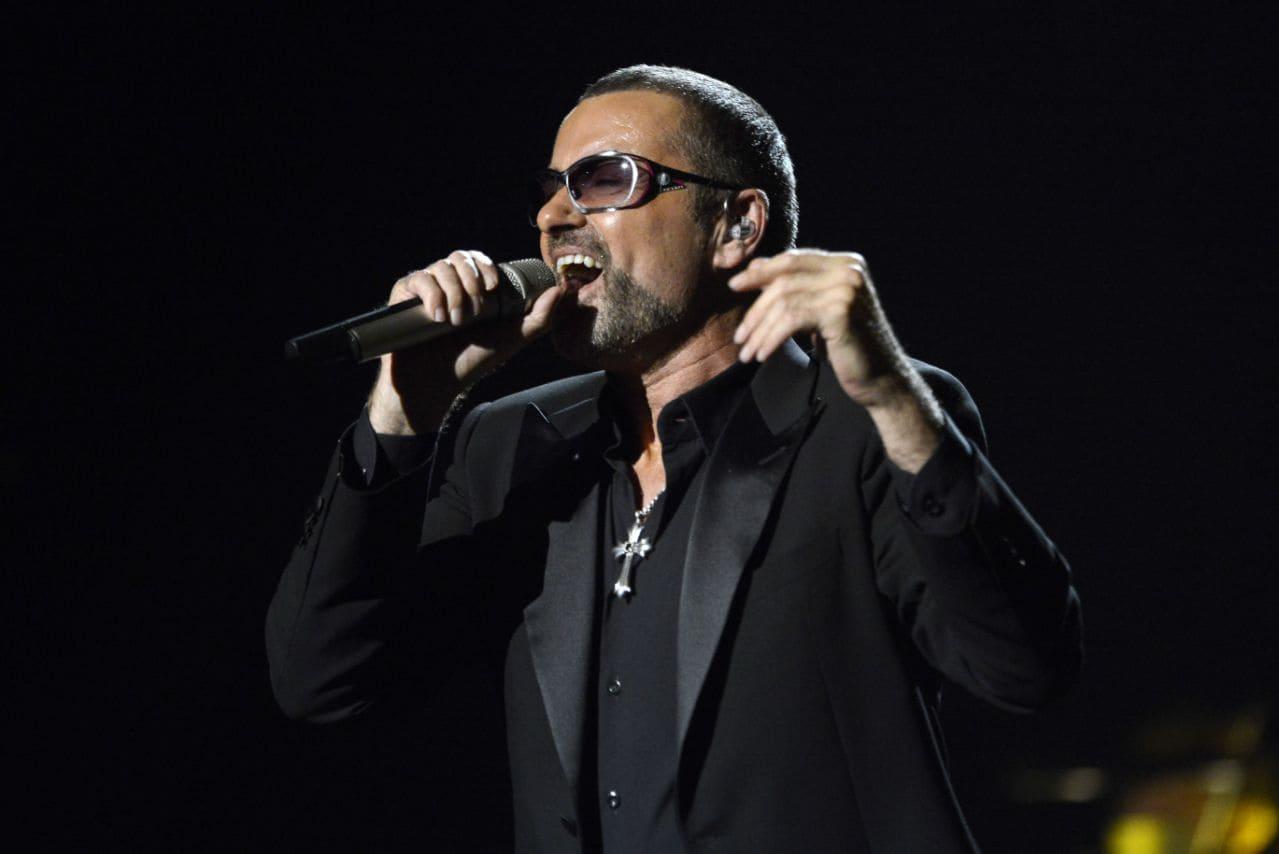 Британский певец Джордж Майкл тайно жертвовал деньги на благотворительность