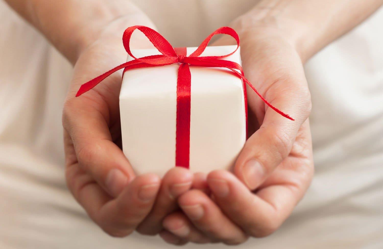 Отдам вещи даром