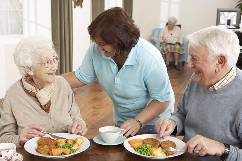 Социальная помощь пожилым людям