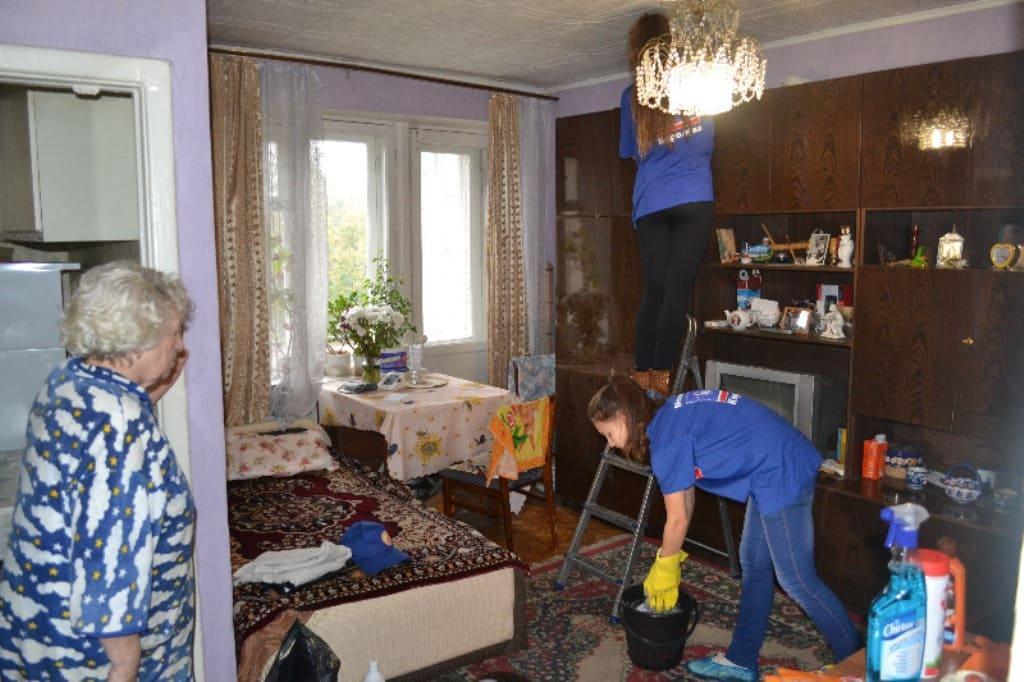 помощь пожилым людям на дому коронавирус
